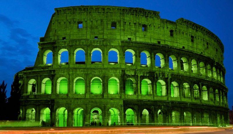 Romes colosseum turns green for st patricks day wanted in rome romes colosseum turns green for st patricks day publicscrutiny Images
