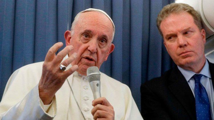 Vatican spokesman and his deputy resign