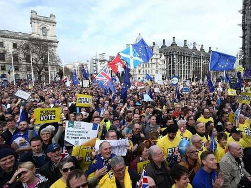 Crowds throng London streets to demand fresh Brexit vote
