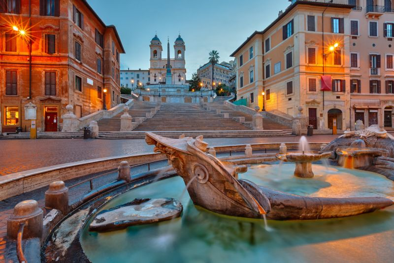 Rome enforces ban on tourists sitting on Spanish Steps
