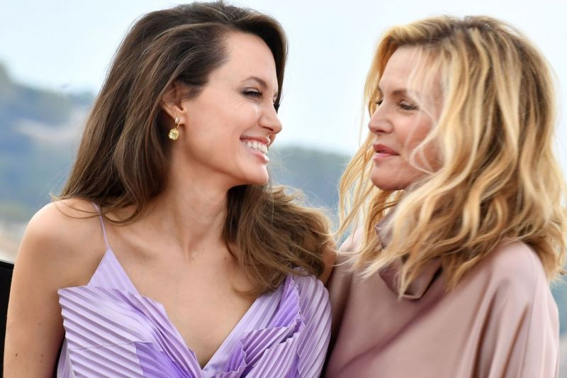 Angelina Jolie And Michelle Pfeiffer To Launch Maleficent