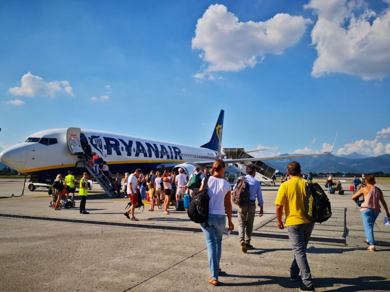 Italy threatens to ban Ryanair over alleged non-compliance
