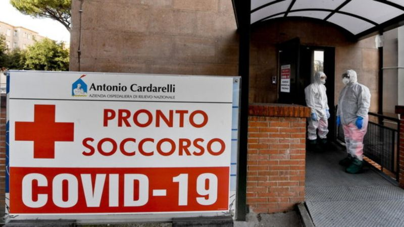Covid-19: Italy shocked by video of dead man in Naples hospital toilet