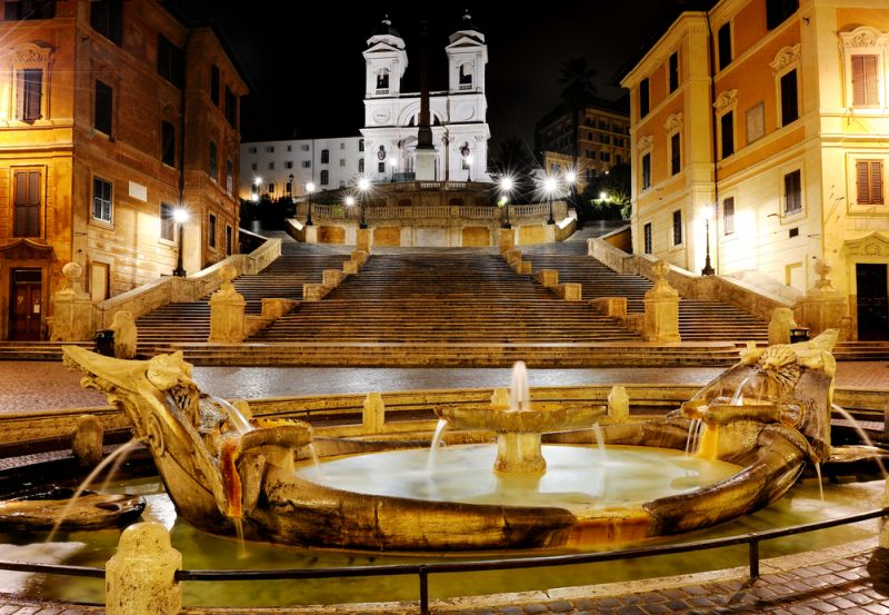Italy locks down financial capital Milan amid COVID-19 pandemic