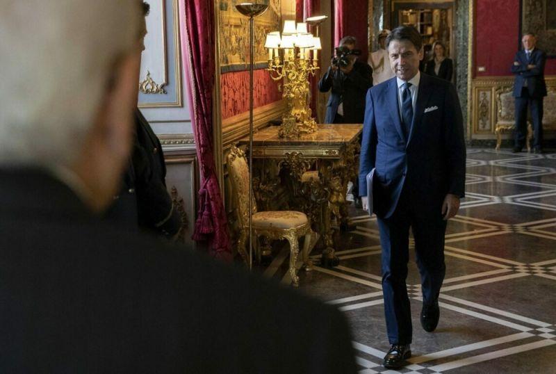 Italy's premier Giuseppe Conte to resign