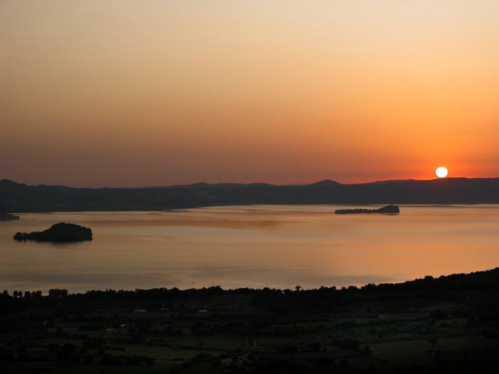 lakes around rome - wanted in rome - Soggiorno Lago Di Bolsena